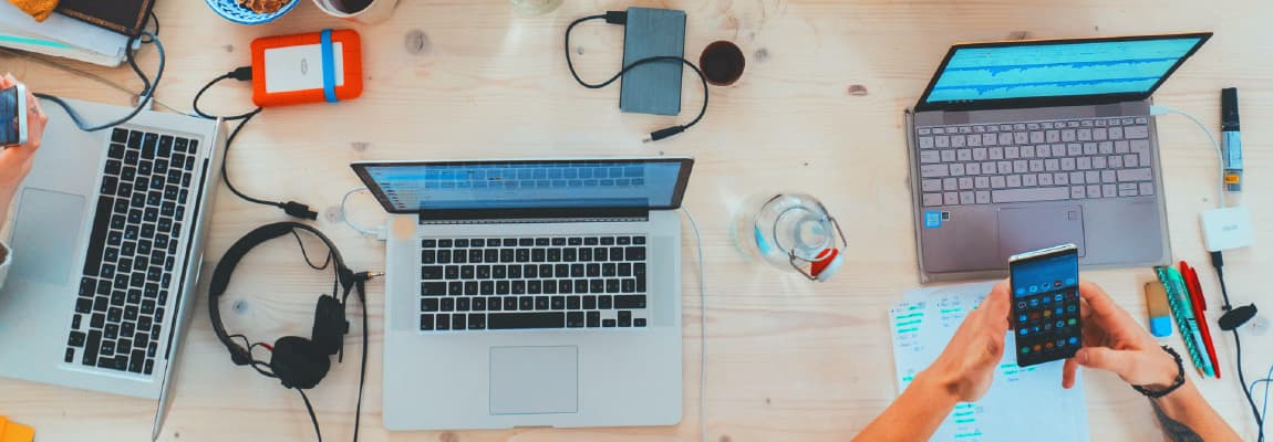 photo-of-a-desk-at-a-consulting-company